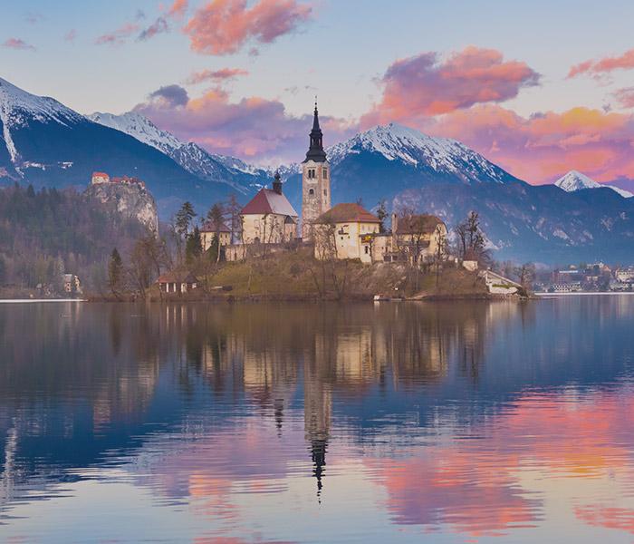 luxo slovenia lake bled